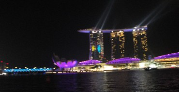 Шоу Wonder Full в Сингапуре
