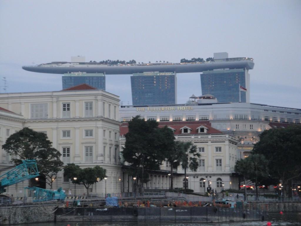 отель Марина Бей Сандс, набережная Сингапура