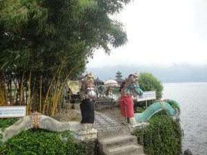 Храм Пура Улун Дану Бератан
