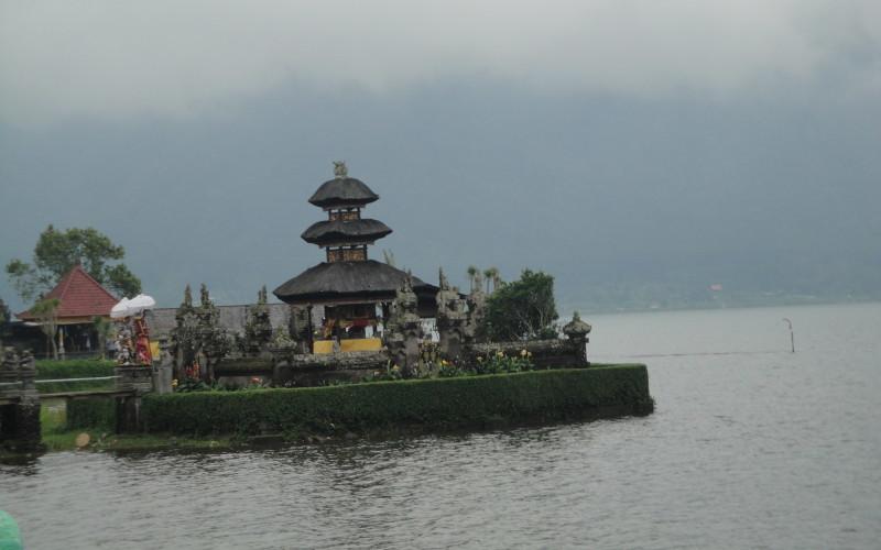 Пура Улун Дану Бератан