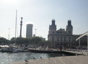 Мост в порту Вель в Барселоне