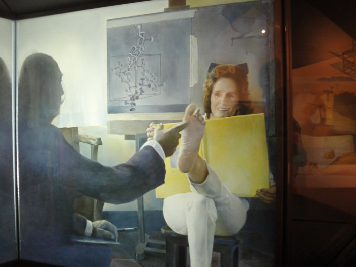 Экспонат музея Дали в Фигерасе