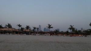 Пляж отеля ЛУ ЛУ в Шардже