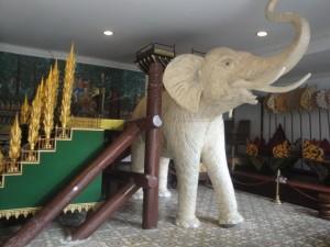 Павильон Слонов в Королевском дворце Пномпеня