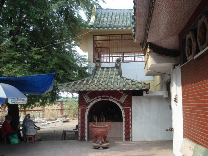 плавучий жемчужный храм