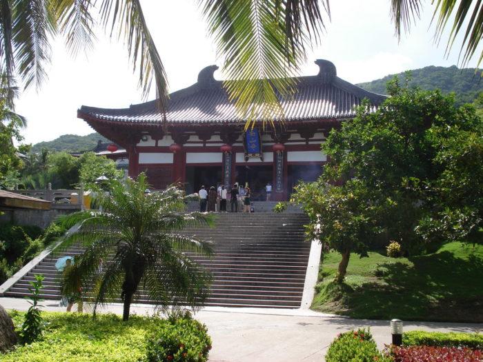 Храм в Наньшане