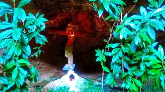 В пещере монастыря Мега Спилео