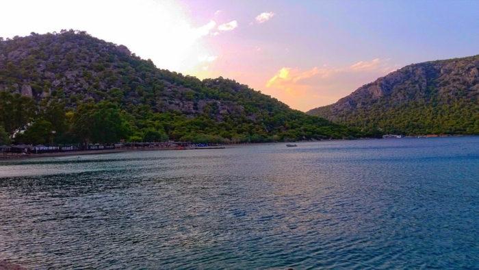 Голубое озеро Лутраки