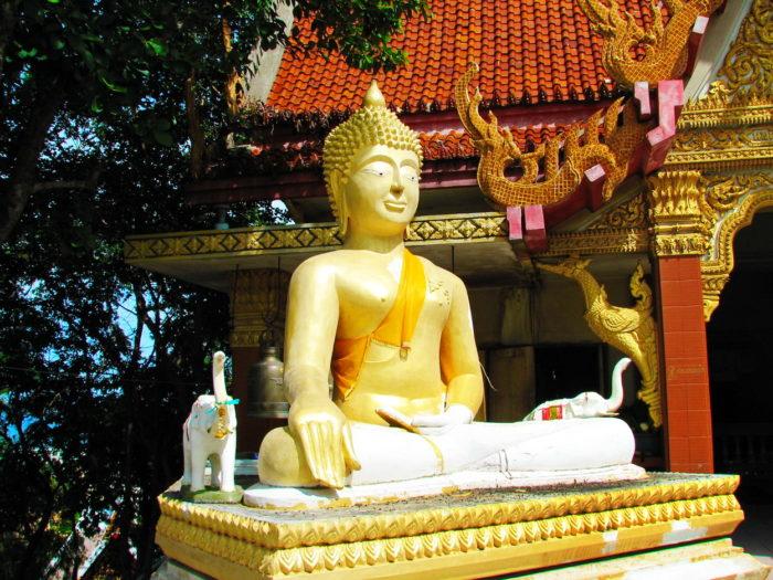 Рядом с Большим Буддой