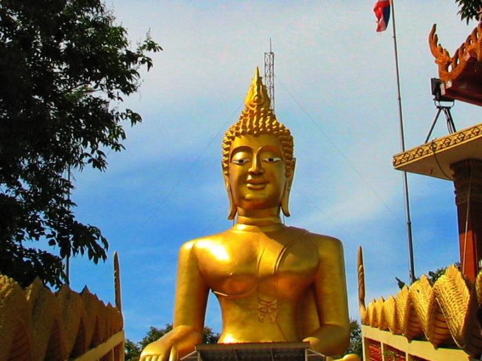 Большой Будда в Таиланде
