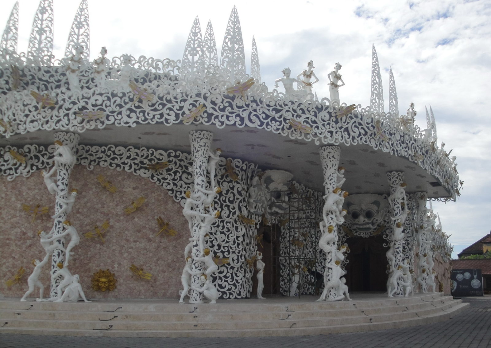 Ювелирная фабрика на Бали