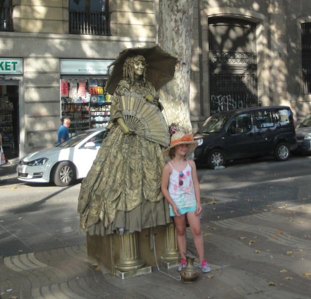 Живая статуя на бульваре Рамбла