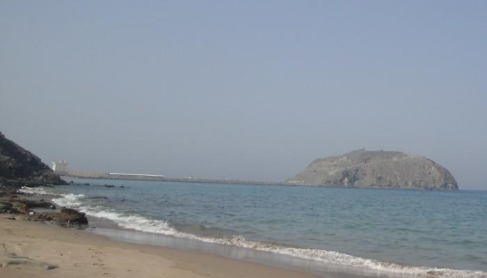 Гора рядом с таможней Омана