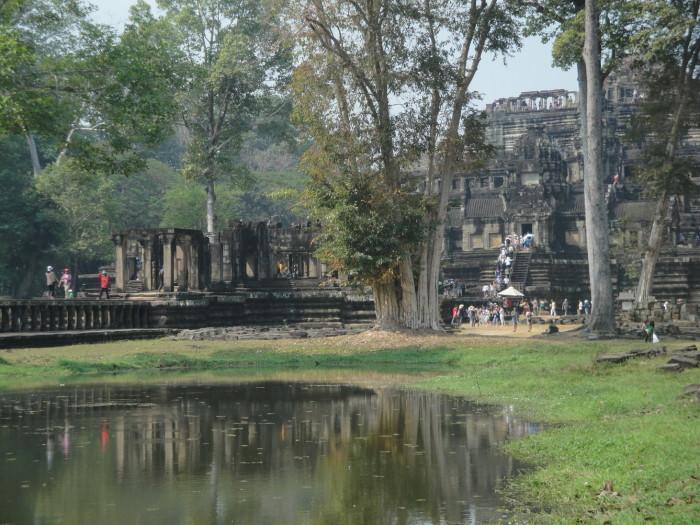 Храм Бапхуон