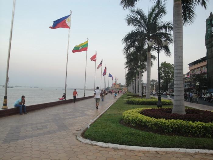 Набережная Пномпеня