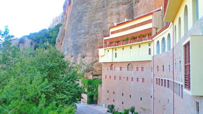 Монастырь Мега Спилео