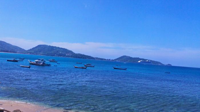 Море на пляже Патонг