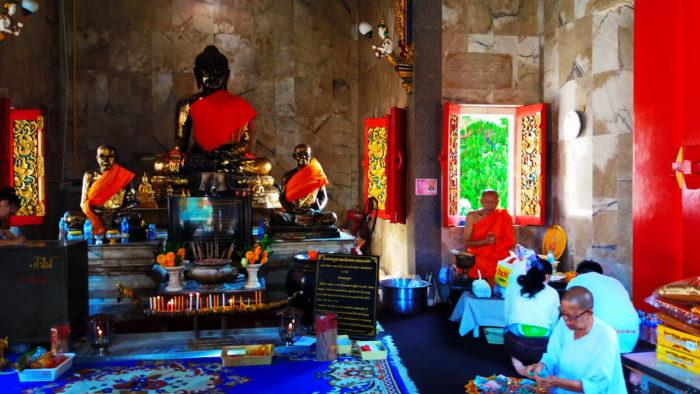убранство буддийского храма